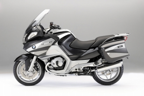 2010_BMW_R1200RT_side.jpg